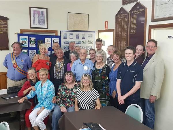 Cooroy Rotary Members